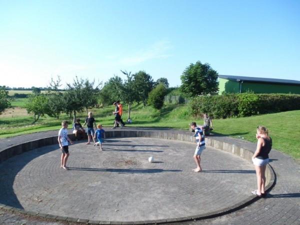 Draußen wurde Fußball gespielt …