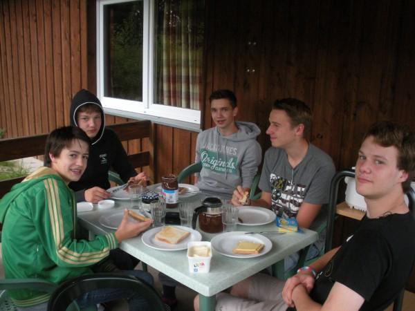 Lucas, Niklas, Robbi, Peer und Jean