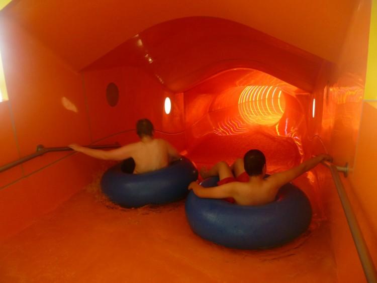 Alle hatten viel Spaß in den Wasserrutschen der Dünen-Therme.